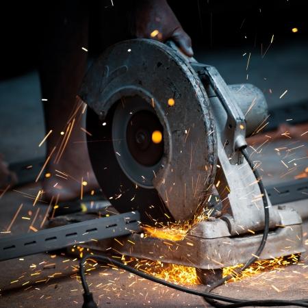 metal cutting: cut metal