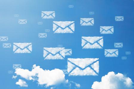 電子メール アイコン パターン雲の形。 写真素材