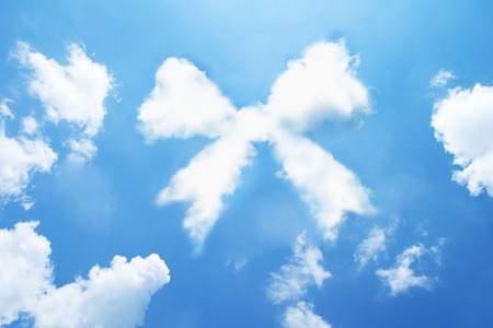 Ribbon cloud shape form on sky. Standard-Bild