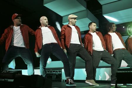 Culcha Candela, Flaetrate Tour 2012, Alsterdorfer Sporthalle 함부르크, 22.03.2012. Culcha Candela는 Don Cali, 가려움증, DJ Chino, Reedoo, Larsito 및 Johnny Strange입니다.