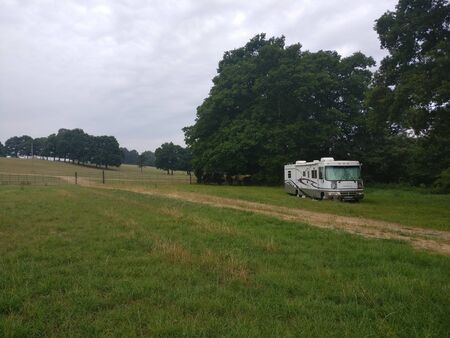American RV wildcamping in the sussex countryside Фото со стока