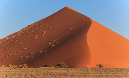 shifting: mighty red dune of always shifting sand