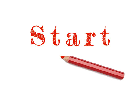 empezar: Iniciar texto escrito boceto fondo blanco l�piz rojo. Inicio Concept, comienza la acci�n.