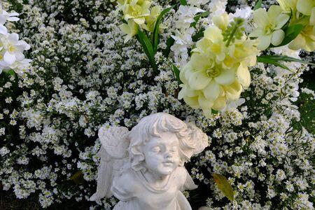 White garden and sculpture
