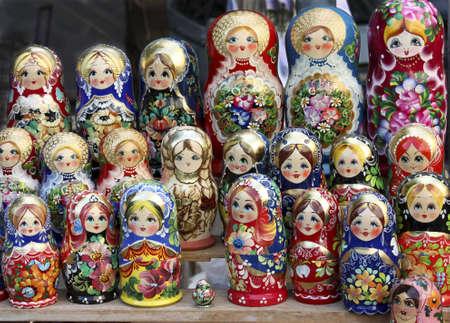 mu�ecas rusas: Mu�ecas rusas  Foto de archivo