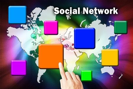 network marketing: La mano est� presionando el bot�n de la red social de