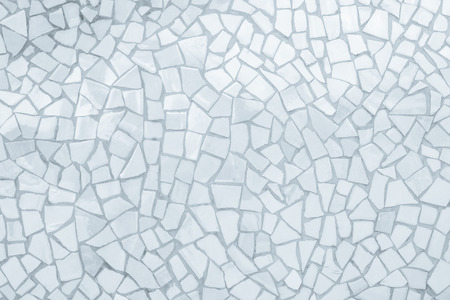 Broken tiles mosaic seamless pattern. White and Grey the tile wall high resolution real photo or brick seamless and texture interior background. Banque d'images - 111208929