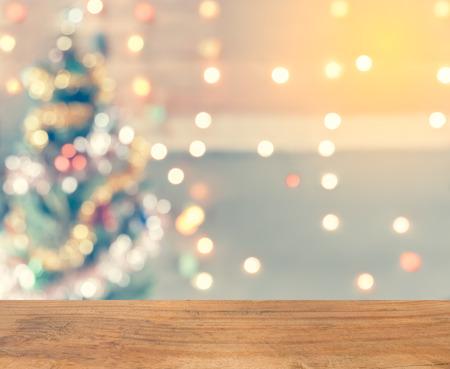 Funkeln Bokeh Weihnachtsbaum, verspotten Template für die Anzeige von Ihrem Produkt für Weihnachten Hintergrund, Jahrgang Tonen Standard-Bild - 48268975