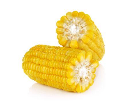 maíz aislado sobre fondo blanco