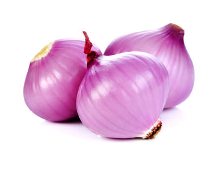 Red onion isolated on white background 免版税图像