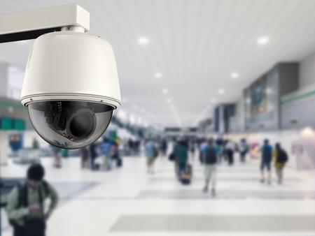 cámara de seguridad representación 3D o una cámara de circuito cerrado de televisión en el aeropuerto Foto de archivo