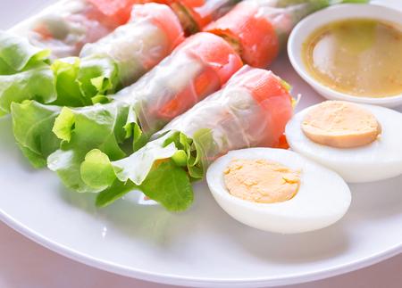 Fresh vegetable salad roll with boiled egg, Health care concept. Banco de Imagens