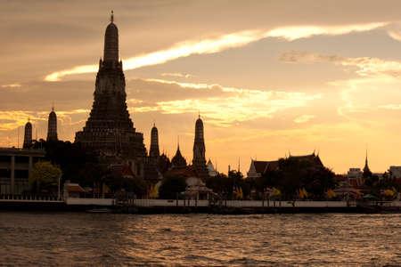 pagoda at wat arun bangkok of thailand Stock Photo - 18772422