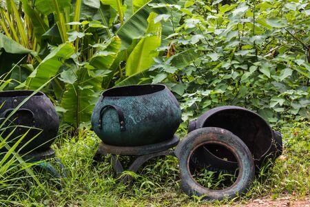 trashcan: trashcan in forest