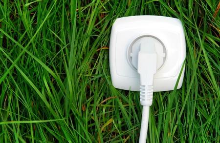 toma corriente: Energ�a verde  Foto de archivo