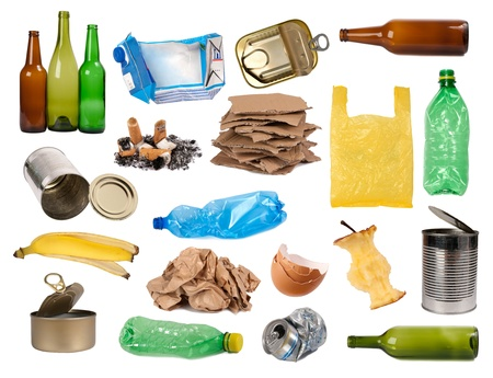 reciclaje de papel: Muestras de basura aislado en blanco