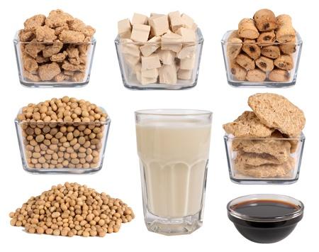 soja: Produtos de soja isolado no branco