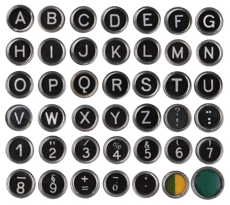 격리 된 흰색 배경에 오래 된 타자기 키, 알파벳 및 숫자,