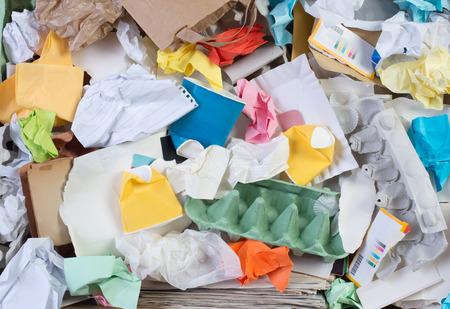 reciclaje de papel: Documento preparado para el reciclaje Foto de archivo