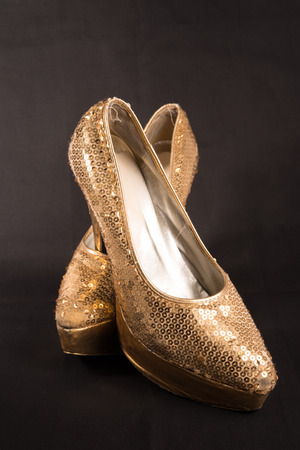 파티 후 늙은 드래그 퀸 신발