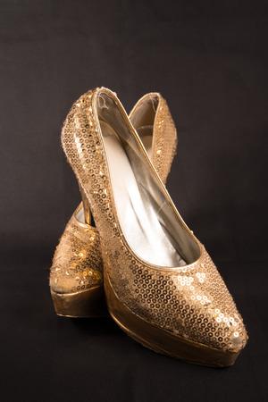 homosexuales: zapatos viejos drag queen despu�s de la fiesta