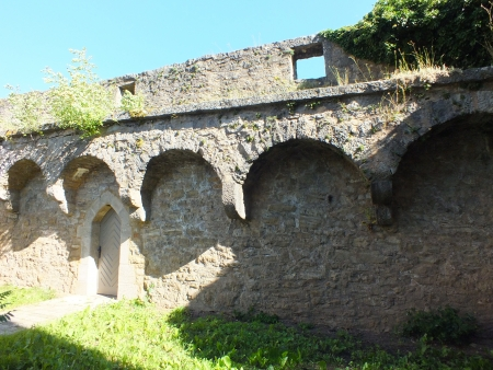 decaying: A decaying medieval town wall