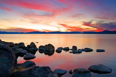 woods lake: Lake Tahoe dopo il tramonto  Archivio Fotografico