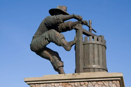Statue of a man making wine in Napa Valley Stock Photo