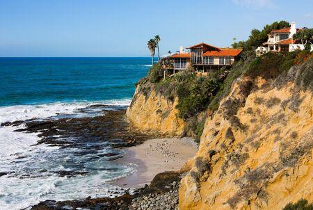 カリフォルニア州南部の崖の家 写真素材
