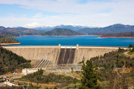 dams: Shasta Dam