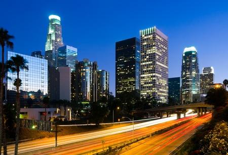 夜にダウンタウン ロサンゼルス