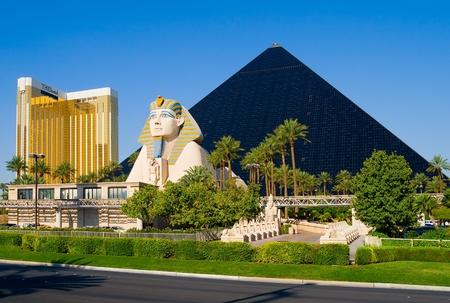 luxor: Pyramid Hotel and Sphinx in Las Vegas
