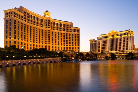 bellagio: Bellagio Hotel and Caesars Palace in Las Vegas at night