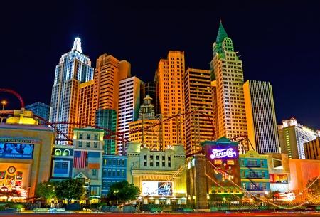 New York New York in Las Vegas bei Nacht Standard-Bild - 13021108