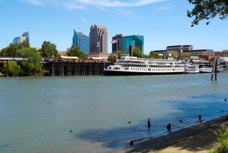 Buildings in Sacramento next to Sacramento River