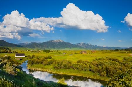 東のアイダホ州の田園地帯