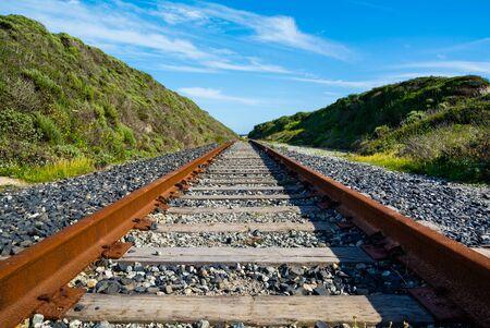 Rusty old railroad goes to horizon 版權商用圖片