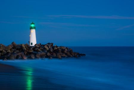 santa cruz: Santa Cruz Breakwater Lighthouse in Santa Cruz, California at night