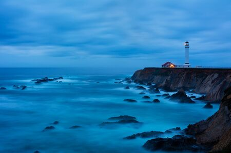 Point Arena Lighthouse in California at night 版權商用圖片
