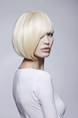 fashion beauty portrait of young woman with stylish bob haircut. beautiful blond girl Stockfoto - 149180254