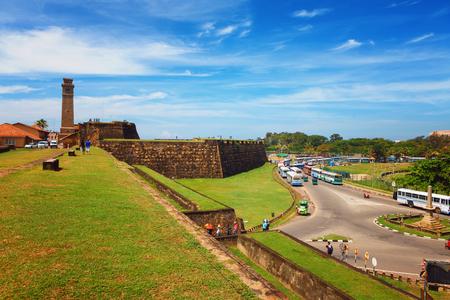 風光明媚な景色歴史オランダ ゴールフォート、フラグの岩の要塞、スリランカの Anthonisz 記念時計塔 写真素材