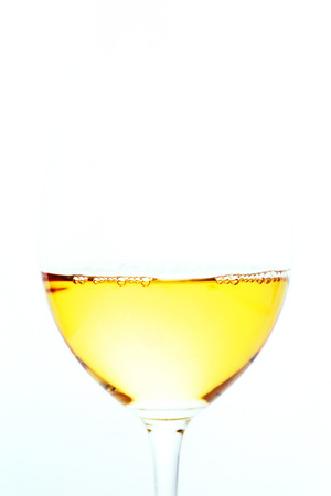 White wine in wine glass, overexposed LANG_EVOIMAGES