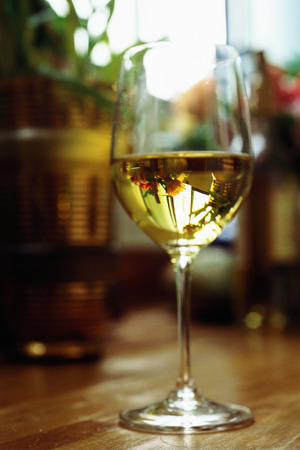 White wine in glass LANG_EVOIMAGES