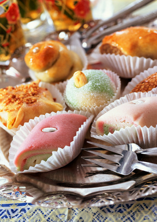 baklava: Assortment of northern african sweets, close-up LANG_EVOIMAGES