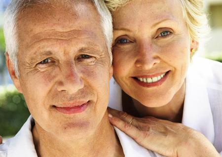Mature couple, portrait, close-up LANG_EVOIMAGES