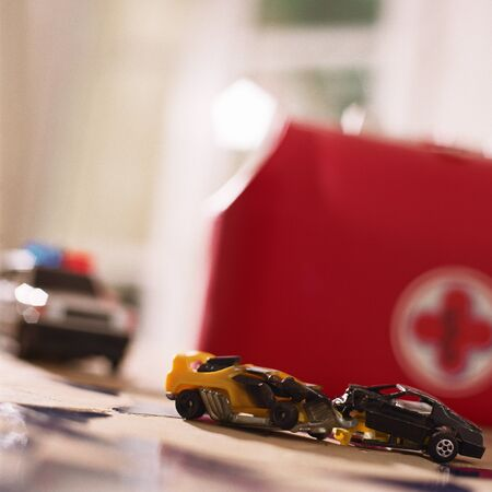 Toy car accident LANG_EVOIMAGES