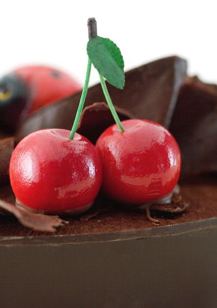 Marzipan cherries on chocolate LANG_EVOIMAGES