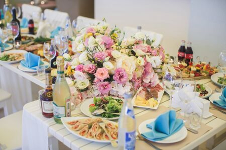 Beautiful floral arrangement at the wedding table