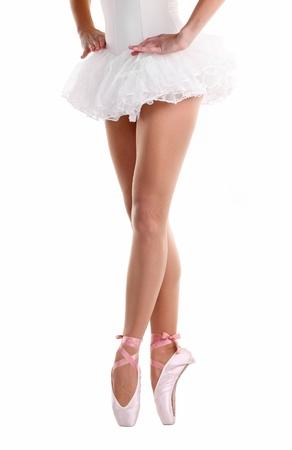 zapatillas ballet: Imagen recortada de bailarina en el punto de