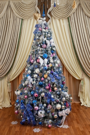Decorated christmas tree Stock Photo - 16687943